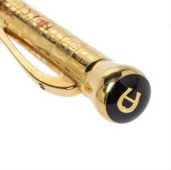 قلم أيغنر بالشعار منقوش ذهبي اللون