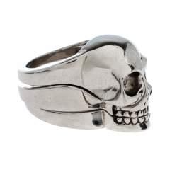 خاتم أليكساندر ماكوين جمجمة مقسمة فضي اللون مقاس EU 61
