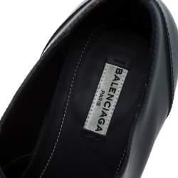 حذاء أوكسفورد بالنسياغا مخرم جلد أزرق داكن مقاس 40