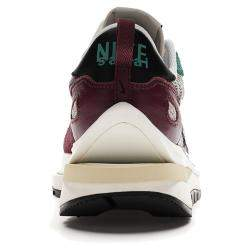 Nike Sacai Vaporwaffle Red Green Sneakers US 10 EU 44