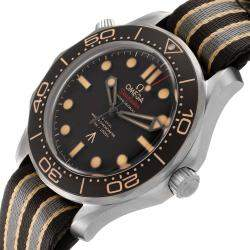 Omega Black Titanium Seamaster 300M 007 Edition 210.92.42.20.01.001 Men's Wristwatch 42 MM