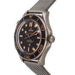 Omega Black Stainless Steel Seamaster Diver 300m 007 Edition 210.90.42.20.01.001 Men's Wristwatch 42 MM