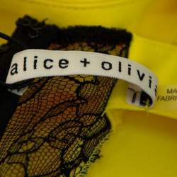 توب آليس + اوليفيا بوبي بلا أكمام مزين حافة دانتيل كريب أصفر مقاس صغير جداً (اكس سمول)