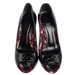 Burberry Black Patent Leather Embellished Pumps Size 38.5