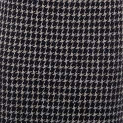 تنورة شانيل طول للركبه مزينة أزرار خلفية تويد بيج و أسود مقاس وسط (ميديوم)