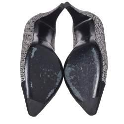 حذاء كعب عالي شانيل غطاء مقدمة مدببة كانفاس وسويدي فضي/ أسود ميتالك مقاس 38.5