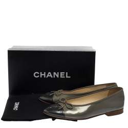Chanel Olive Green Patent Leather CC Cap Toe Bow Ballet Flats Size 38