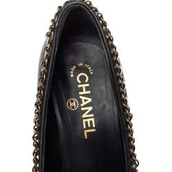 Chanel Black Leather And Patent Leather Cap Toe Chain Embellished Trim Pumps Size 39