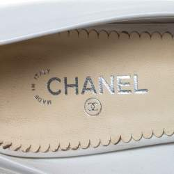 Chanel Beige/White Leather Cap Toe CC Heel Pumps Size 38