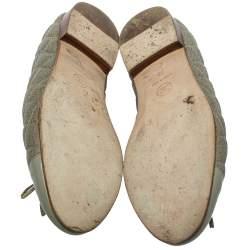 حذاء فلات باليه شانيل غطاء مقدمة فيونكة جلد لامع وجلد مبطن رمادى مقاس 38