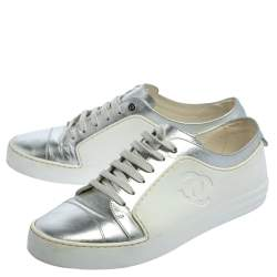 Chanel Metallic Silver/White Leather And Rubber CC Low Top Sneakers Size 40.5