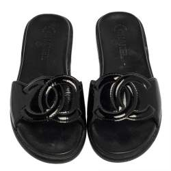Chanel Black Patent Leather CC Flat Slides Size 39