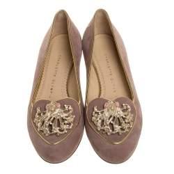 حذاء باليرينا فلات شارلوت اوليمبيا مزين حلية رمز برج العذراء سويدي بيج مقاس 36