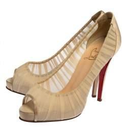 حذاء كعب عالي كريستيان لوبوتان قماش بيج وساتان أمبروسينا مقدمة مفتوحة مقاس 38.5