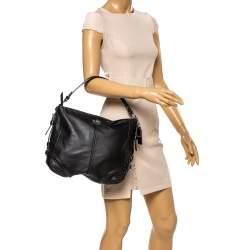 حقيبة هوبو كوتش جلد لامعة وجلد سوداء
