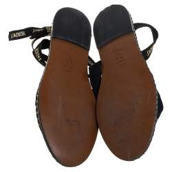 حذاء إسبادريلز ديور حرف دى نيسلى سويدى وشبك أسود مقاس 37.5
