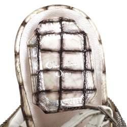 صندل ديور جلد أبيض/فضي وسلسلة بحزام للكاحل مقاس 38
