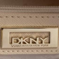 حقيبة DKNY بوسط كانفاس مونوغرامي بني/أسود وجلد