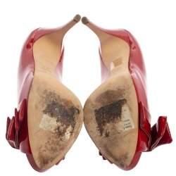 حذاء كعب عالي دولتشي أند غابانا مقدمة مفتوحة مزين فيونكة جلد لامع أحمر مقاس 39.5
