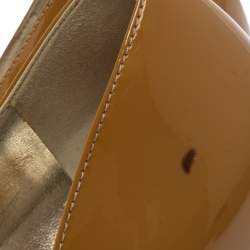 حذاء كعب عالي دولتشي أند غابانا جلد نقشة التمساح و جلد لامع بيج و أسود مقاس 39.5