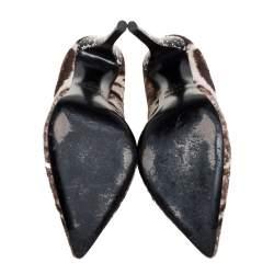 حذاء كعب عالي فندي مقدمة مدببة حافة جلد لامع وشعر عجل مطبوع أصفر/ بني مقاس 37