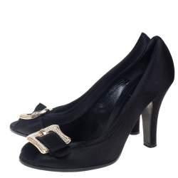 Fendi Black Satin Crystal Embellished Slip On Pumps Sze 40.5