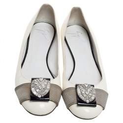 Giuseppe Zanotti White Patent Leather And Striped Fabric Crystal Embellished Ballet Flats Size 38