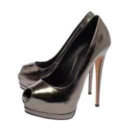 حذاء كعب عالي جوسيبي زانوتي نعل سميك جلد ميتاليك مقاس 37