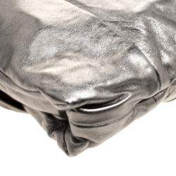 Gucci Metallic Grey Leather Large Hysteria Clutch