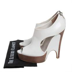 Gucci White Leather Cut Out Peep Toe Platform Booties Size 39