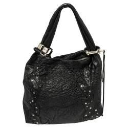 حقيبة هوبو جيمي تشو سابا متوسطة مزخرفة جلد مزخرف أسود