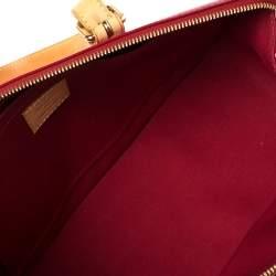 """حقيبة لوي فيتون """"روزوود افينو"""" جلد لامع مونوغرامي أحمر"""