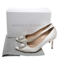 Manolo Blahnik Ivory Satin Hangisi Crystal Embellished Pumps Size 40