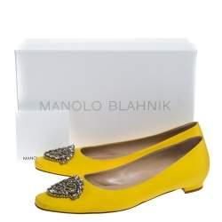 حذاء باليرينا فلات مانولو بلانيك مزخرف بكريستال ساتان أصفر مقاس 39.5