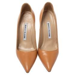 Manolo Blahnik Beige Leather Pointed Toe Pumps Size 35.5