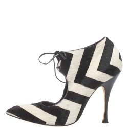 Manolo Blahnik Black/White Striped Calf Hair Lace Up Pumps Size 39.5