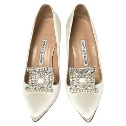 Manolo Blahnik White Satin Crystal Embellished Borlak Pumps Size 39