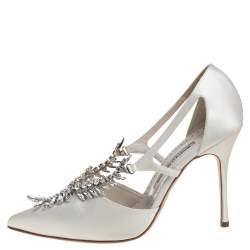 Manolo Blahnik Ivory White Satin Lala Crystal Embellished Pointed Toe Pumps Size 39.5