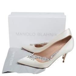 Manolo Blahnik Cream Satin Jewel Nadira Pointed Toe Pumps Size 40