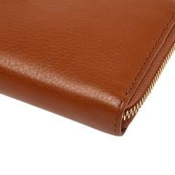محفظة كونتيننتال مايكل كورس جيت سيت سحاب ملتف جلد بني فاتح