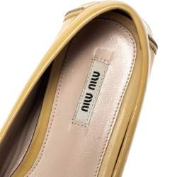 Miu Miu Pale Yellow Patent Leather Crystal Embellished Slip On Loafer Size 40.5