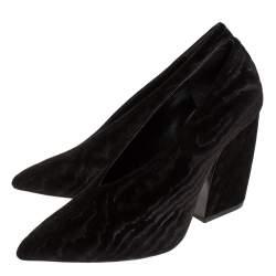 Pierre Hardy Black Textured Velvet V Neck Block Heel Pumps Size 39