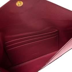 محفظة برادا بطراز المظروف جلد سافيانو وردي