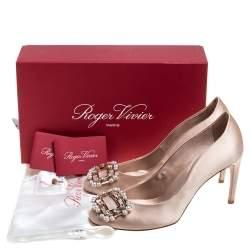 Roger Vivier Beige Satin Margot Faux Pearl Embellished Round toe Pumps Size 38