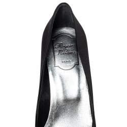 Roger Vivier Black Satin Crystal Embellished Pointed Toe Pumps Size 39.5