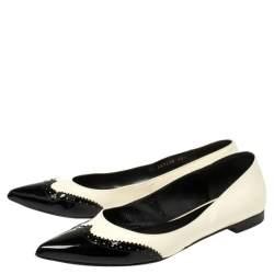 حذاء سان لوران فلات مقدمة مفتوحة باريس جلد لامع بروغ أسود / أبيض مقاس 40.5