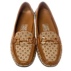 Salvatore Ferragamo Beige/Caramel Gancini Canvas and Patent Leather Loafers Size 37.5