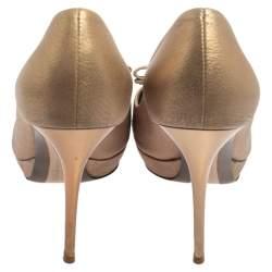 Salvatore Ferragamo Metallic Bronze Leather Vara Bow Peep Toe Pumps Size 37