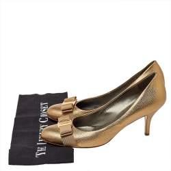 Salvatore Ferragamo Metallic Gold Leather Varina Vara Bow Pumps Size 39.5