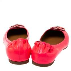 Tory Burch Neon Pink Patent Leather Minnie Scrunch Ballet Flats Size 38